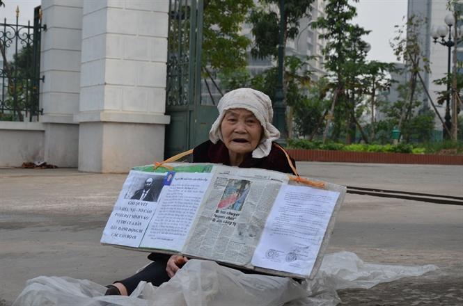 cụ bà 88 tuổi với hành trình đòi nhà, đòi sự sống