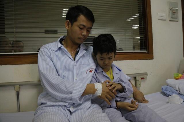 hai bố con ung thư chăm nhau trong viện đã nhận được hơn 1 tỷ đồng