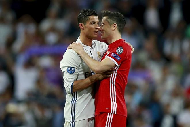 Nhìn Lewandowski để thấy Ronaldo là tiền đạo số 1 lúc này