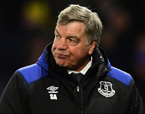 Everton chính thức sa thải HLV Sam Allardyce