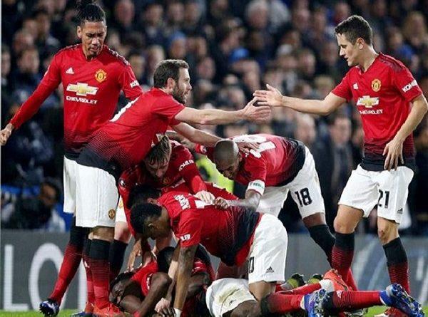 Pogba tỏa sáng, Man Utd đè bẹp Chelsea