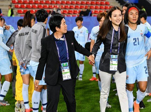 HLV tuyển nữ Thái Lan nhận trách nhiệm sau trận thua Việt Nam