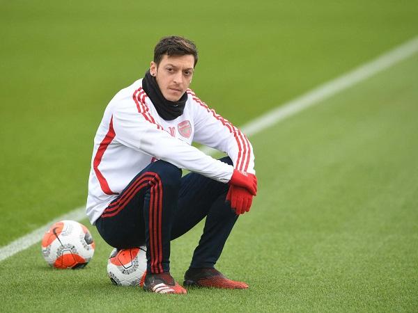 Chuyển nhượng tối 10/10: Mesut Ozil đòi Arsenal gần 13 triệu bảng