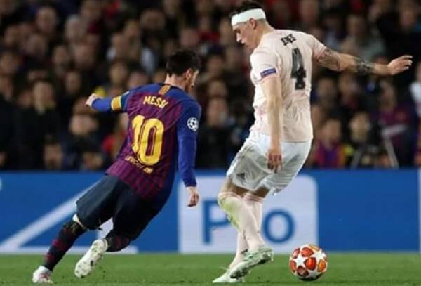 Chia sẻ kỹ thuật kèm người trong bóng đá mang đến hiệu quả nhất