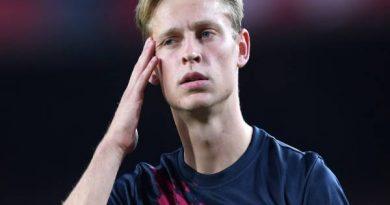 Tiền vệ phòng ngự trẻ hay nhất thế giới Frenkie De Jong