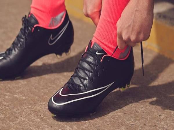 Hướng dẫn cách buộc day giày đá bóng đúng cách