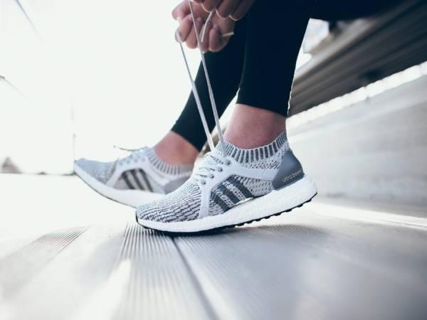 Những cách khắc phục giày thể thao bị rộng